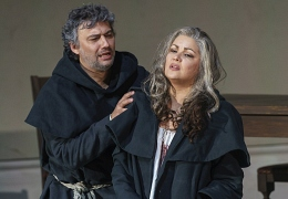 1212 Anna Netrebko as Leonora and Jonas Kaufmann as Don Alvaro (c) ROH 2019 photograph by Bill Cooper