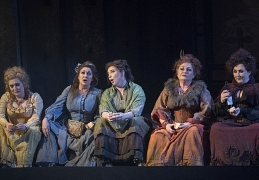 ENO Jack the Ripper The Women of Whitechapel 2019; (from left to right) Janis Kelly, Marie McLaughlin, Natalya Romaniw, Susan Bullock and Lesley Garrett, © Alastair Muir